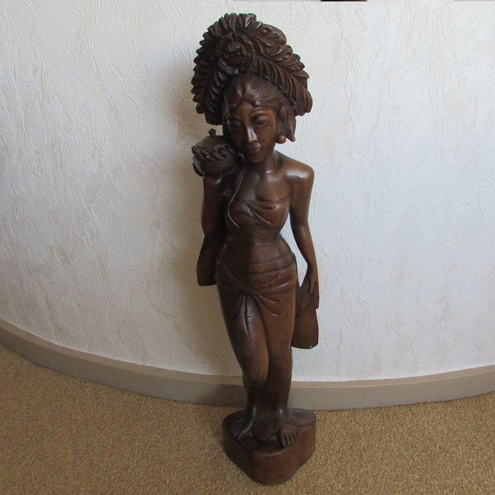 Beautifully large wooden statue of Balinese woman: 51 cm - Bali - 2nd half 20th century (51cm)