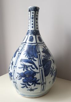 Blue and white Kraakporcelain Bottle - Wanli periode - Ca 1600