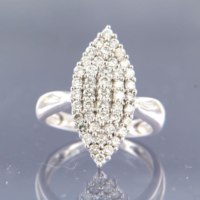18 kt white gold marquise ring set with 45 with brilliant cut diamonds, with a total of approx. 1.15 ct, ring size 16.5 (52)