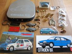 Citroën pins and other collectibles