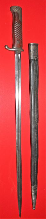 Bayonet 1898 Neuer Art, long M (68 cm) Germany, in good condition Clear maker's stamp: Simson & Co., Suhl. Leather sheath with metal parts.