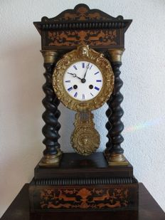 Intarsia inlaid Column Clock with Twisted Columns - France - 2nd period 1800