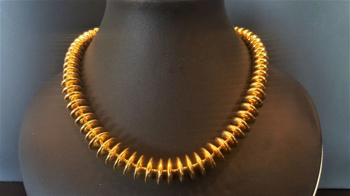 MONET - RARE stunning rich gold toned Disc Necklace - Vintage