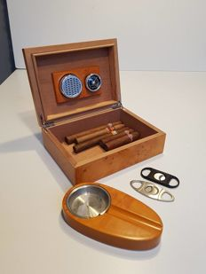 Cherry wood humidor with accessories