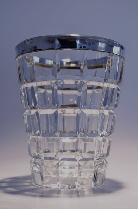 Philippe Wolfers and Val Saint Lambert - Art Deco crystal faceted vase with silver (A835) rim (2)