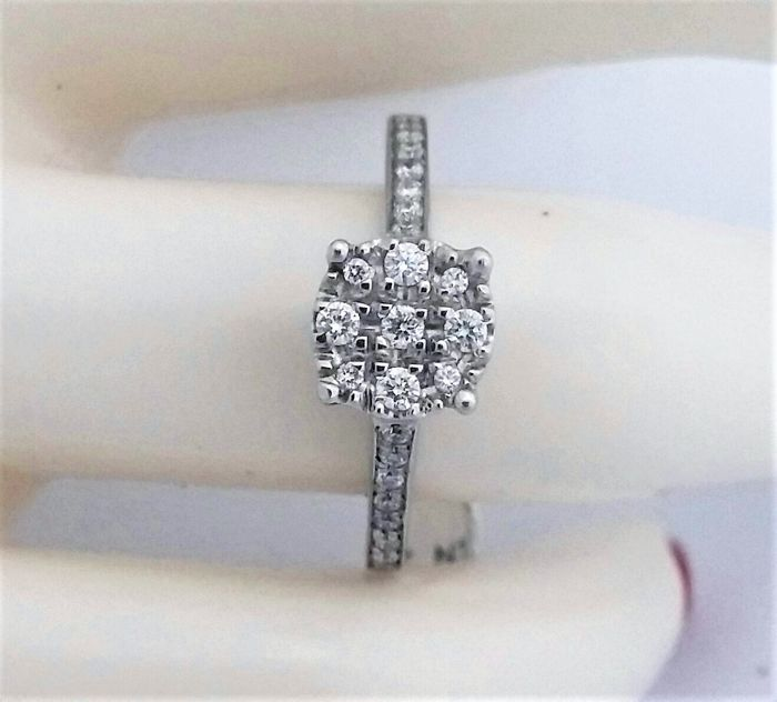 0.28 ct Diamond Ring -  E  , VS1 - 14k White gold - 3.11 gram - size : 6 (USA), 52 (French ) -  Untreated.