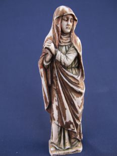 Polychrome painted and partly gilded ivory sculpture of Mary-Magdalene - France (Dieppe) - 18th century
