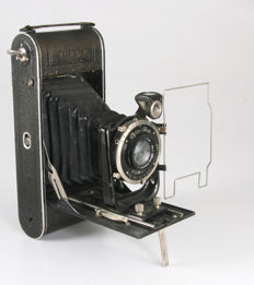 Zeiss Ikon Cocarette 519/15 with Tessar lens
