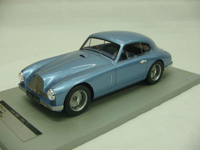 Tecnomodel - Scale 1/18 - Aston Martin DB 2 1950 - Limited 75 pieces - Colour baby blue Metallic