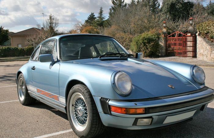 Porsche - 911 CARRERA 3.2 Coupe - 1986