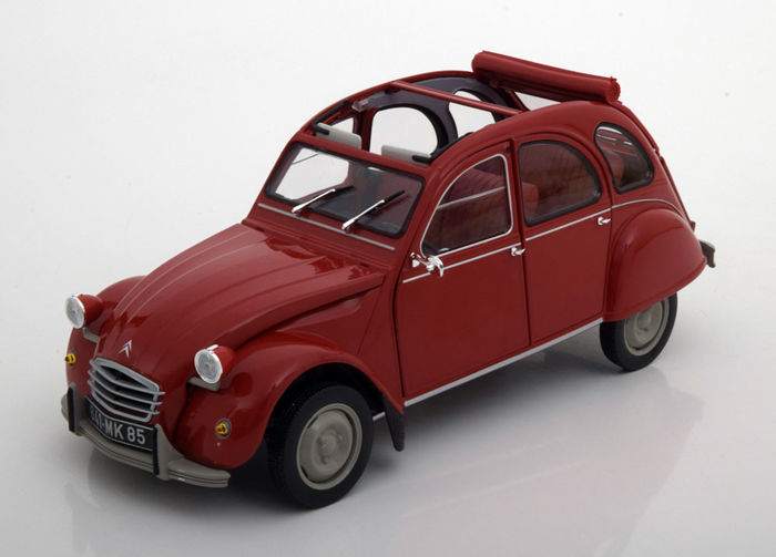 Norev - Scale 1/18 - Citroen 2CV 6 - Year 1972 - Colour Red