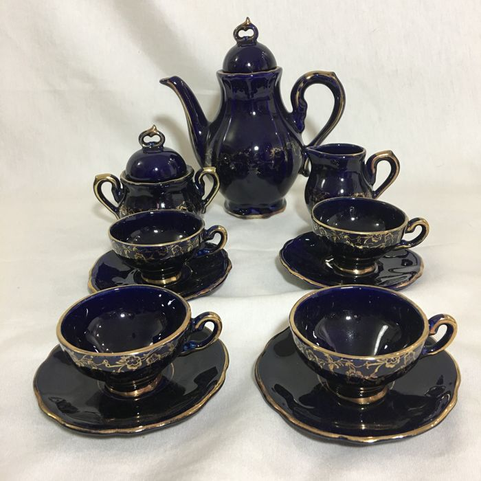 Handpainted gilded complete Real Cobalt porcelain blue 4 people mocha set