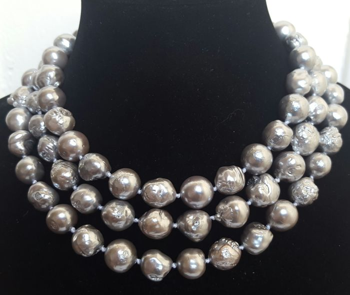 Long necklace made of fresh water cultured XL silver grey pearls - 134 cm - No reserve