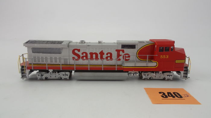 Walthers H0 - 931-168 - Diesel locomotive - Ge Dash 8 40bw