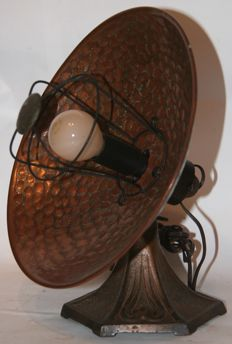 Converted CREDA heat lamp made out of cast-iron and beaten copper - England, 1920-1930