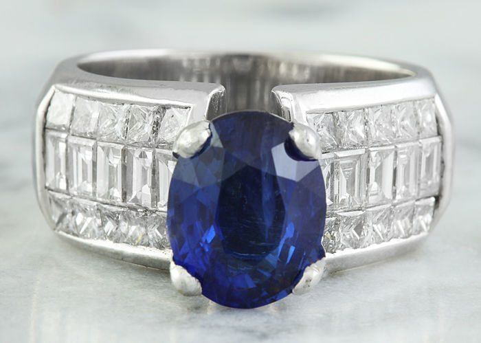 5.42 Carat Sapphire 18K Solid White Gold Diamond Ring *** No Reserve ***