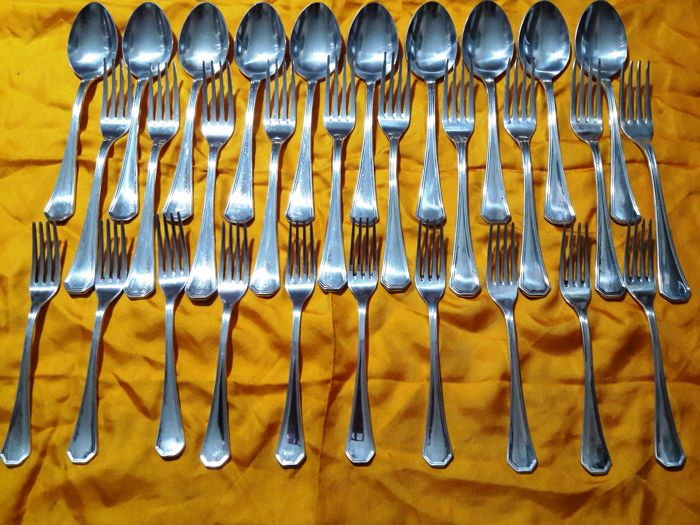 "Lot of ""Calegaro silver alloy"" cutlery, made in Italy, consisting of 10 spoons, 10 forks, 10 cake forks."