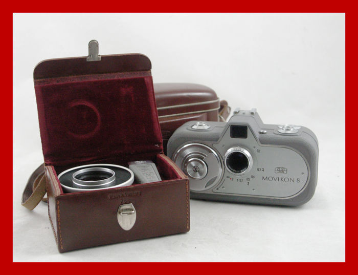 Zeiss Ikon Movikon 8 film camera in bag from 1952 and box filled with accessories