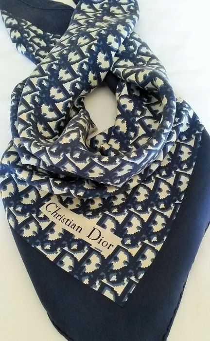 Christian Dior - Foulard - Catawiki cd7a219e415