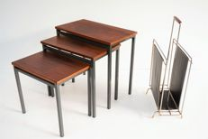 Producer unknown - vintage mid-century modern lecture rack, thereby a teak wood mimiset