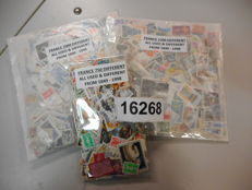 France, various years - 3 sachets with a total of 4,250 stamps (different stamps per sachet)
