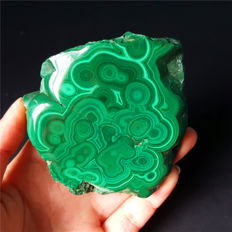 Natural Green Malachite - 75 x 74 x 20 mm - 202 gm