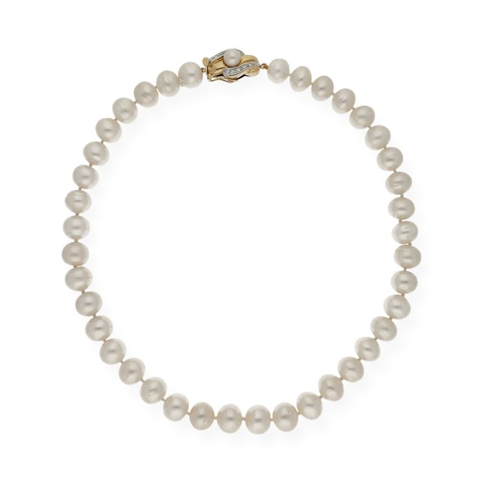 Yellow gold, 18 kt - Necklace - Fresh water pearls, 11.80 mm - Brilliant cut diamonds, 0.20 ct - Length 48.50 cm
