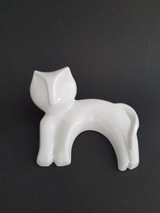 Naaman - sculptural cat