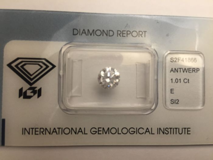 Diamond weighing 1.01 ct -  brilliant cut, SI2