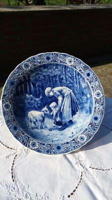 Porceleyne Fles - plate * woman with child and lamb *.