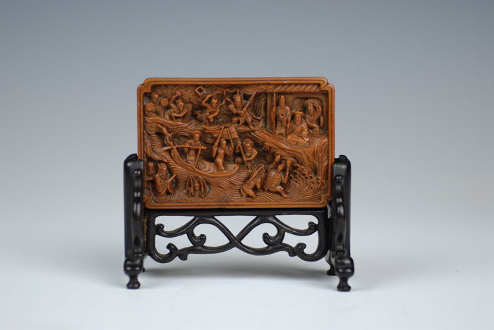 Fine handcarved boxwood tablestand - China - 19th Century