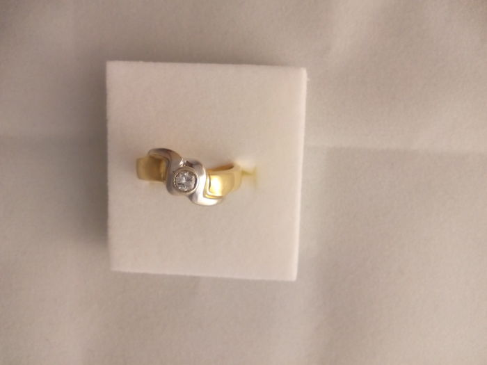 Gold 18 kt ring - 7.1 g - size 14