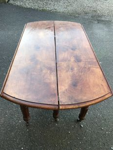 French coulisse table