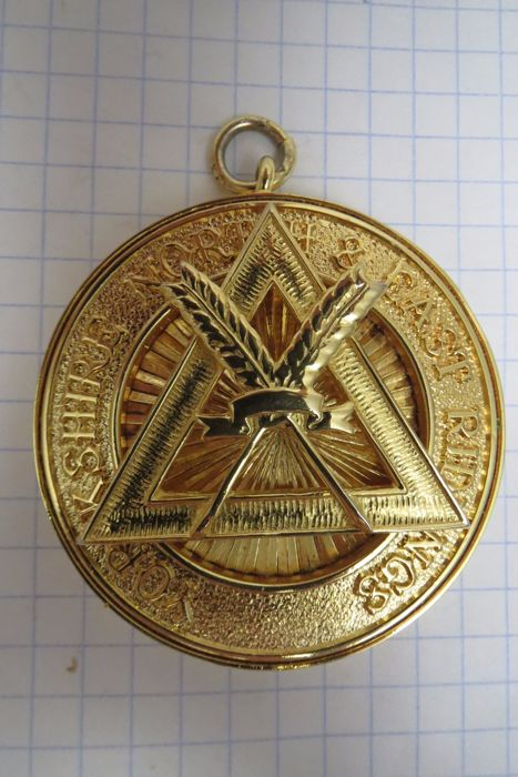 "Masonic insignia for wearing on the neck of ""Yorkshire North & East Ridings"""