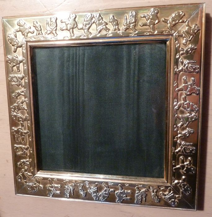Adorable frame under glass signed ERCUIS France decorated with a frieze of little bears