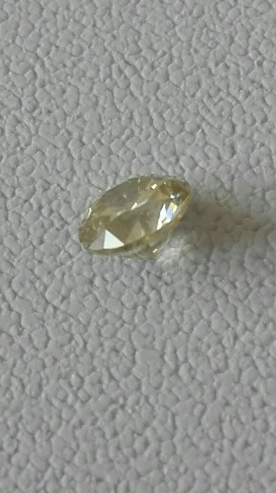 Very beautiful diamond of 0.59 ct, colour K, purity SI2.