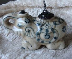 Asian opium jars (2 pieces) in animal shape blue/white porcelain.
