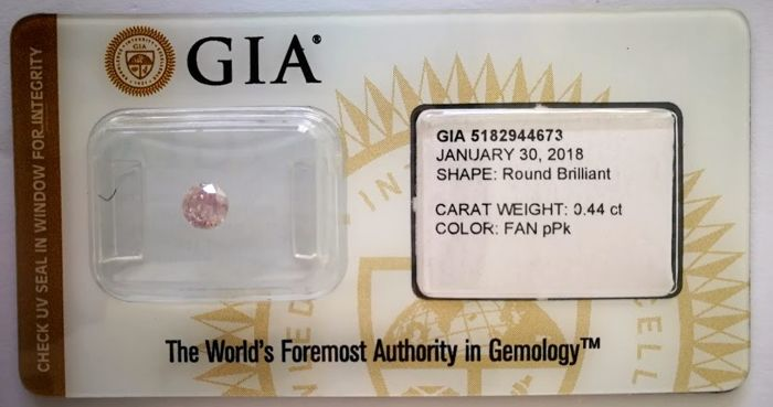Natural Fancy Purplish Pink Diamond 0.44 ct  with GIA cert