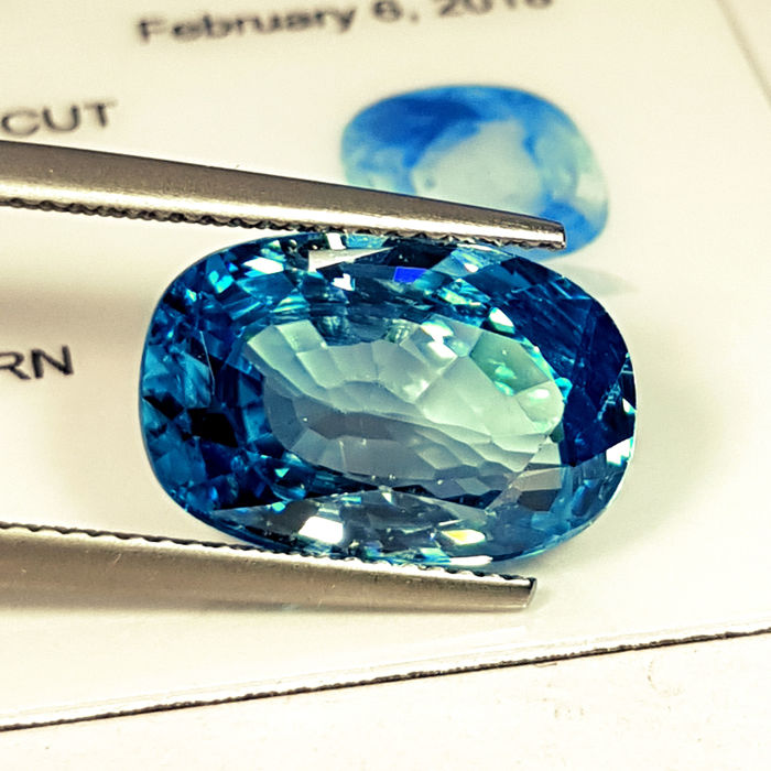 Blue Zircon - 9.94 ct