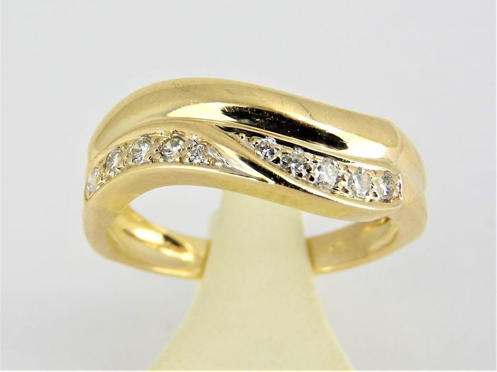 14 kt gold ring with approx. 0.12 ct diamond - size 17 or 54 - 3.63 grams
