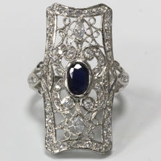 18 kt - Shuttle ring in white gold with sapphire and zirconias - Size: 18.8 mm, 19/59 (EU)