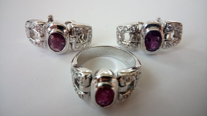 Set - Pair of Earrings - Cocktail Ring - 18 kt White Gold - Zirconias - Rubies - Size: 7 (USA)