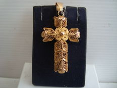 19th century 18k fine gold filigree cross.