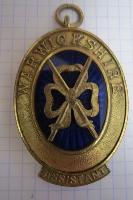 "Masonic insignia for wearing on the neck of ""Warwiekshirf"". Assistant"