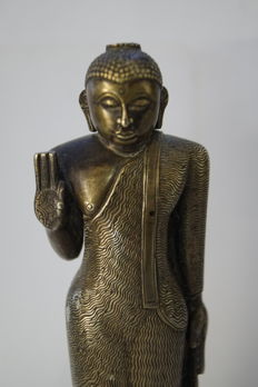 Standing Buddha made of bronze – Sri Lanka – 19th century