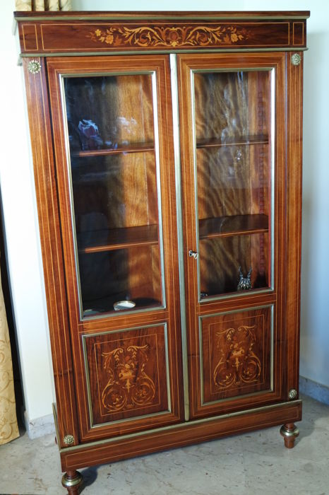 Walnut display cabinet in Napoleon III style, France, ca. 1900