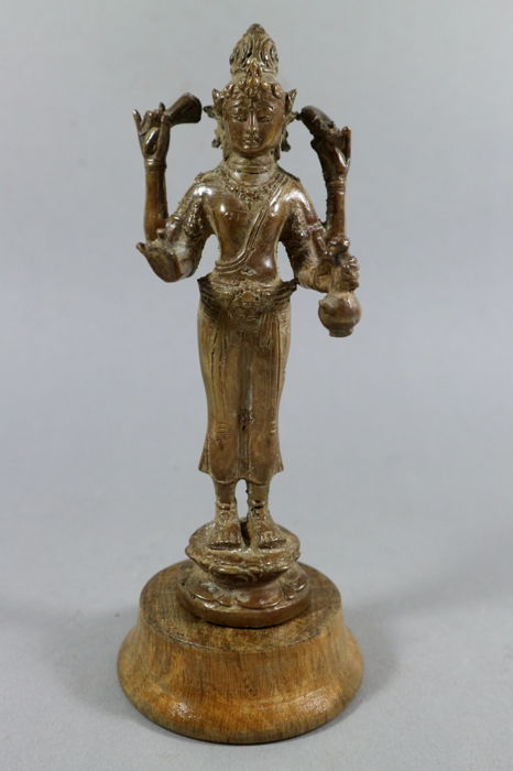Bronze sculture of Shiva on a wooden plinth - Thailand - 2nd half 20th century