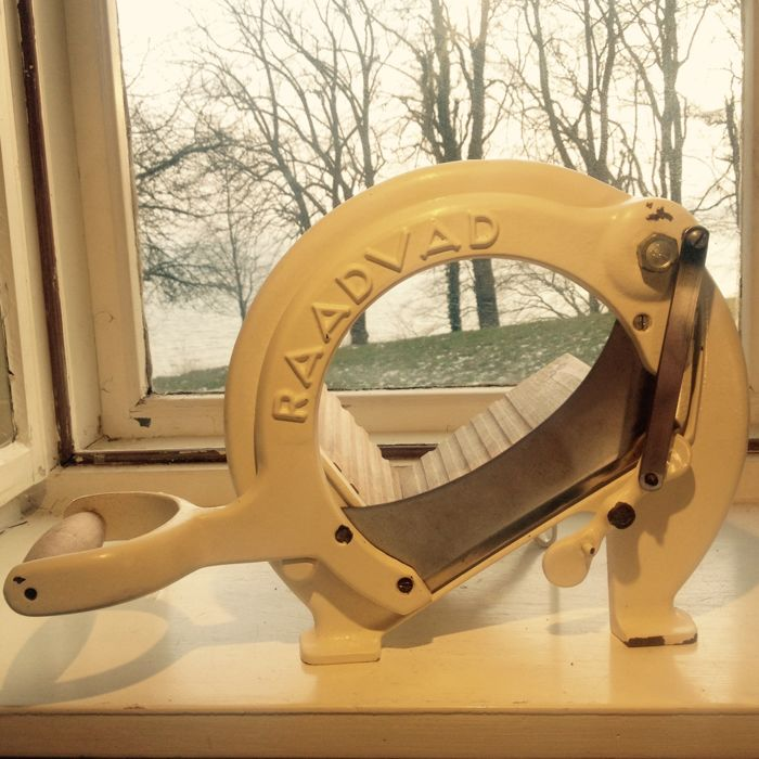 Vintage Bread Slicer - Original White - RAADVAD no. 294 - Danish Design Cutting Machine