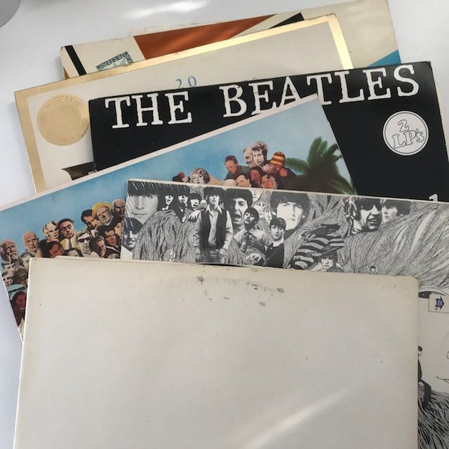 The Beatles, lot of 6 LPs including The White Album (numbered), Sgt Peppers and Revolver