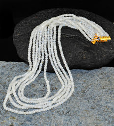 White Moonstone Faceted necklace with 18 kt (750/1000) gold Clasp, length 50cm.